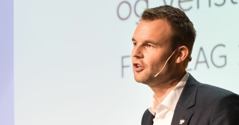 Kjell Ingolf Ropstad foran landsmøtets i 2018 sine delegater