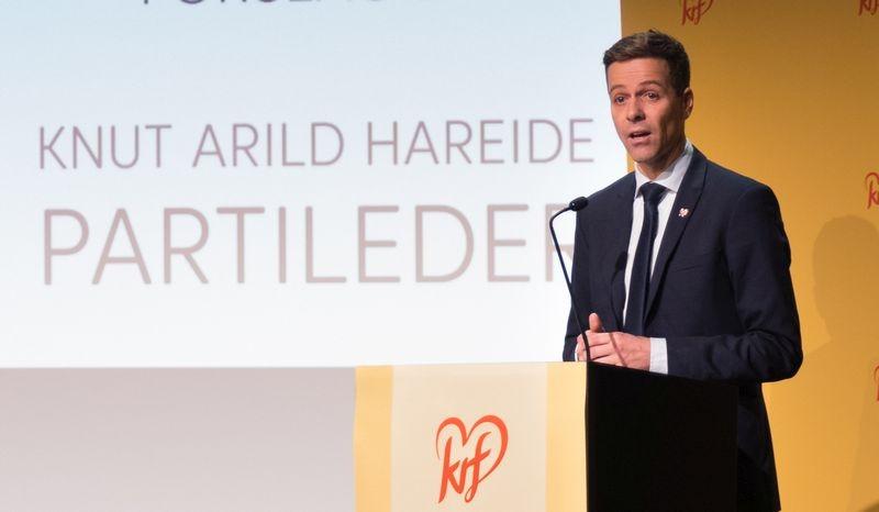 Knut Arild Hareide foran på talerstolen under landsmøtet 2018