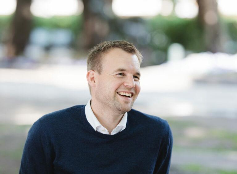 Kjell Ingolf Ropstad smiler