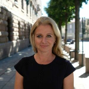 Mona Hovland Wendelborg, pol.råd. for Arbeids- og sosialkomiteen og Transport- og kommunikasjonskomiteen på Stortinget