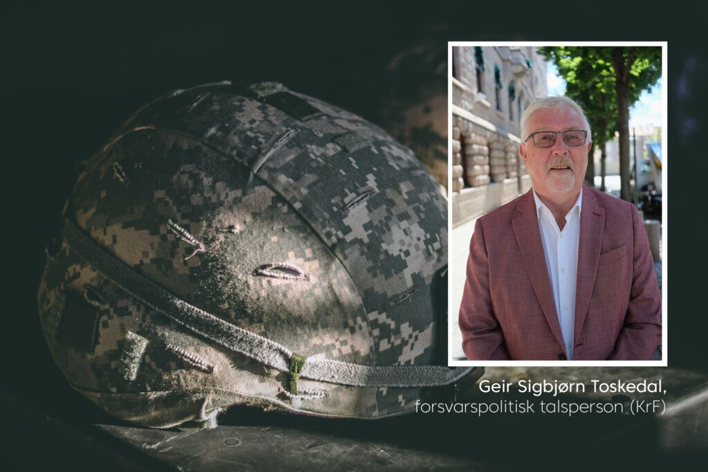 Geir Sigbjørn Toskedal i et illustrasjonsbilde av en militær hjelm