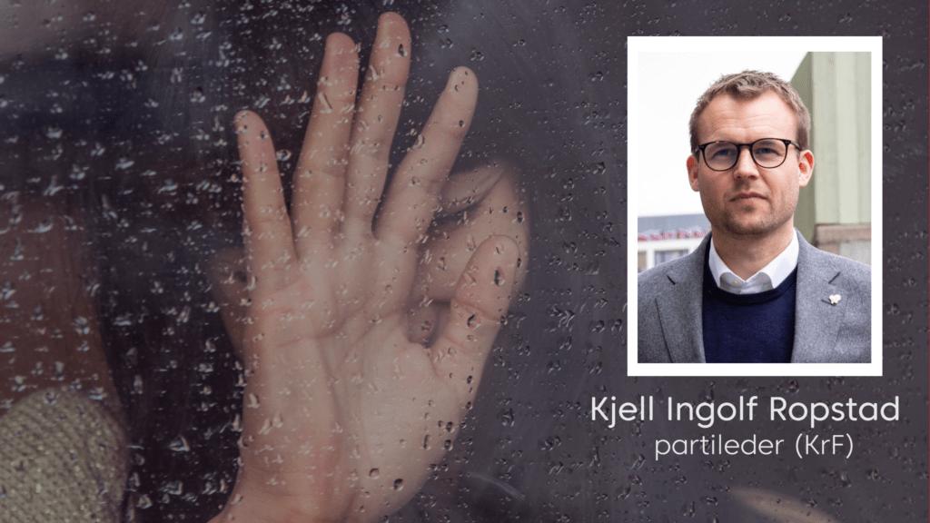 Gråtende dame i regnet med innfelt bilde av Kjell Ingolf Ropstad