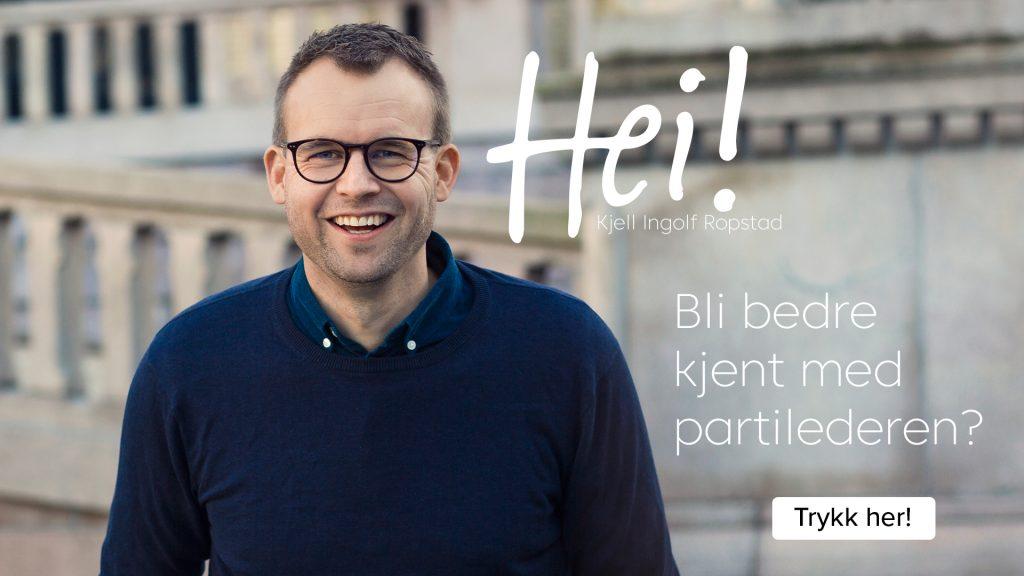 """Trykk på dette bildet for å bli bedre kjent med partileder Kjell Ingolf Ropstad. Bilde av Kjell Ingolf Ropstad som smiler foran Stortinget iført en mørk blå genser. På bildet står teksten """"Hei"""", deretter """"Bli bedre kjent med partilederen?"""" og til sist """"trykk her"""""""