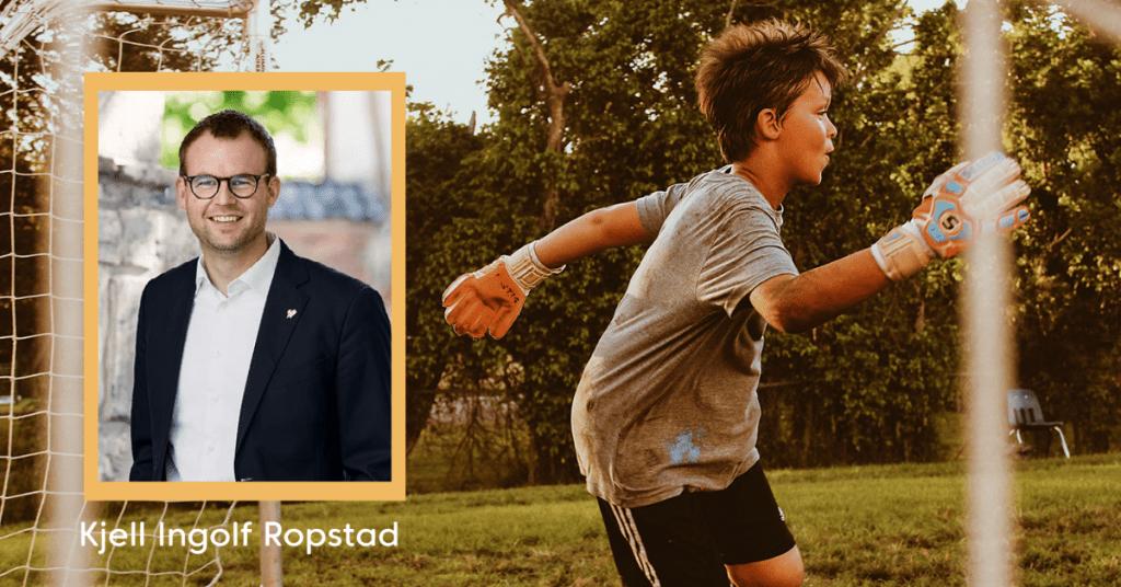 Bilde av gutt som spiller fotball, med innfelt bilde av Kjell Ingolf Ropstad